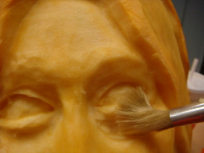 Pumpkingutter press carving for Pumpkin sculpting tutorial
